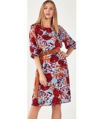 suknia w kwiecisty deseń