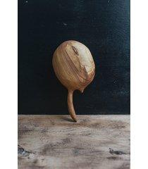 drewniana łyżeczka rzeźbiona czereśnia