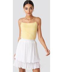 na-kd flounce mini pleated skirt - white