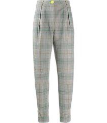essentiel antwerp checked tapered leg trousers - grey