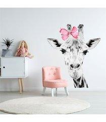 żyrafa z kokardą - naklejka na ścianę