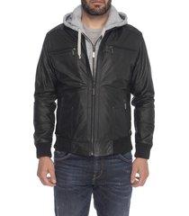 chaqueta de cuero negro peque