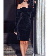 fruncido superpuesto con hombros descubiertos negro vestido