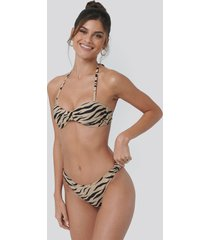 na-kd swimwear side knot high cut bikini - multicolor