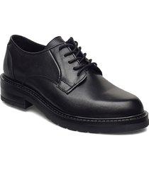 clara snörade skor låga svart pavement