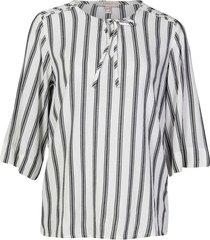 camisa a rayas con abertura