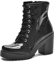bota coturno iza tonelli de amarrar verniz  preto com zipper lateral solado tratorado - preto - feminino - dafiti