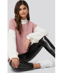 adorable caro x na-kd blocked knitted sweater - pink