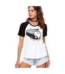 camiseta feminina raglan kombi