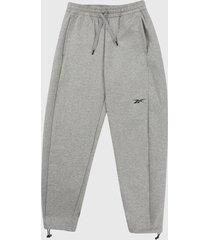 pantalón gris reebok dreambled
