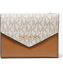 mk portafoglio a bustina medio in pelle con logo - vaniglia/ghianda (naturale) - michael kors