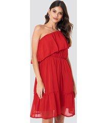 na-kd boho one shoulder flounce dress - red
