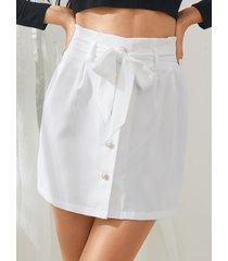 minifalda yoins white button front cinturón diseño