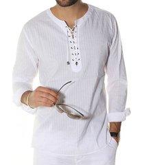 camisetas de textura de rayas con cordones de hombre