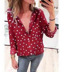 blusa de manga larga con cuello clásico a lunares
