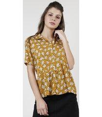 camisa feminina estampada floral com babado manga curta mostarda