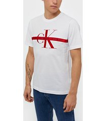 calvin klein jeans taping through monogram reg tee t-shirts & linnen white