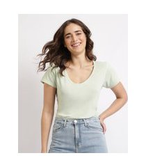 t-shirt feminina mindset básica manga curta decote v verde claro