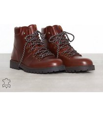 selected homme slhisaac leather hiking boot w kängor chocolate