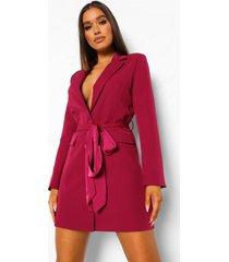 getailleerde satijnen blazer jurk met ceintuur, raspberry