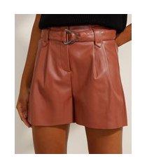 short clochard cintura super alta com pregas e cinto rosa escuro