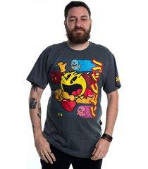 camiseta plus size pacman vintage cinza - cinza - dafiti