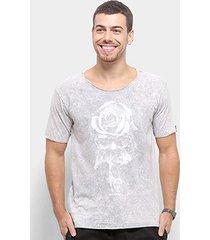 camiseta bossa brasil rose skull masculina