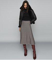 reiss gabriella - knitted zig zag midi skirt in black & white, womens, size xxl