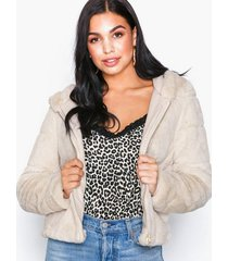 only onlchris fur hooded jacket otw noos faux fur ljus grå