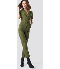 na-kd overlap collared jumpsuit - green