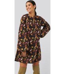 na-kd trend volume ls mini dress - multicolor