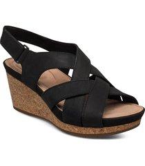 un capri step schoen wedge zwart clarks