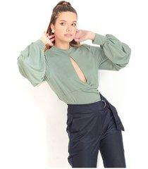 blusa color verde esmeralda, cuello tortuga, escote delantero, manga larga color-gris-talla-xl