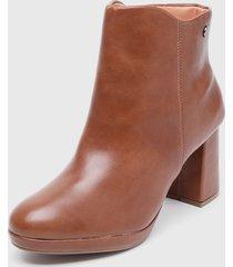 botín marrón vizzano