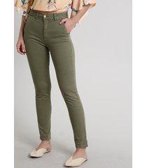 calça de sarja feminina skinny alfaiatada verde militar