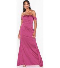 missguided satin bardot maxi dress festklänningar