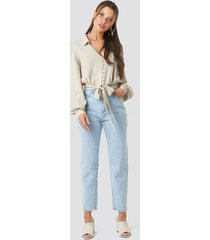 trendyol high waist light mom jeans - blue