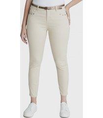 jeans pitillo con aplicación en bolsillos beige curvi
