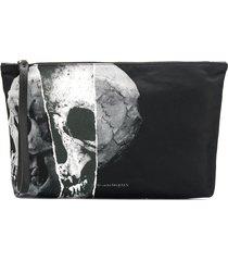 alexander mcqueen skull print pouch - black