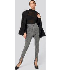 na-kd party front seam high waist lurex leggings - silver