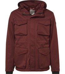 no excess jacket, long fit, high coll, check brick