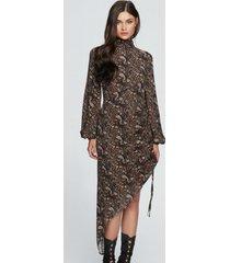 sukienka z drapowaniem z szerokimi rękawami