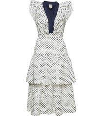 avaleen knälång klänning vit baum und pferdgarten