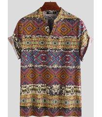 camiseta de manga corta con cuello en v casual de estilo étnico para hombres