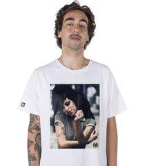 .camiseta stoned amy winehouse 2 branca