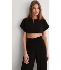 trendyol croppad t-shirt - black