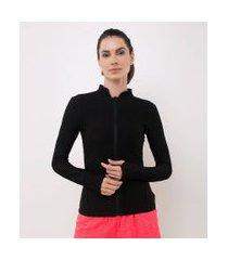 jaqueta esportiva texturizada com zíper e punho com dedinhos | get over | preto | m