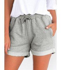 pantalones cortos con bolsillos laterales con cordón en la cintura