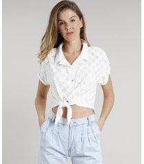 camisa feminina em laise cropped com nó manga curta off white
