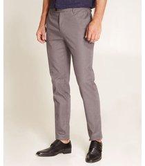 pantalón en corte slim